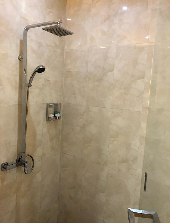 シャワールーム4