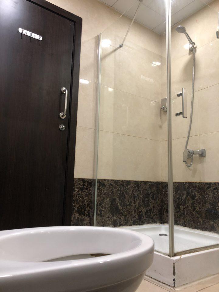 Query Loungeのシャワー室