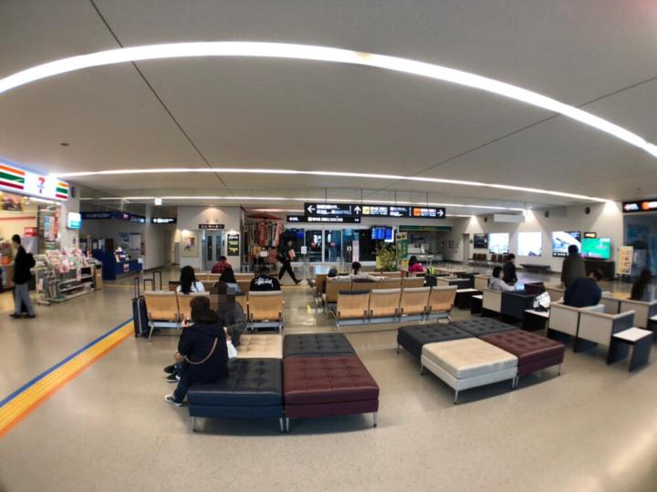 北九州空港1F(到着ロビー)