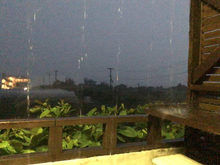 梅雨の沖縄で大雨