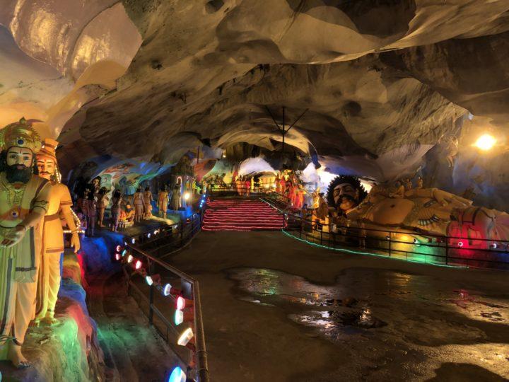 ラマヤナ洞窟内部1