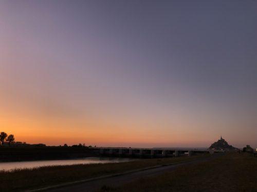 モンサンミッシェルと夕焼け