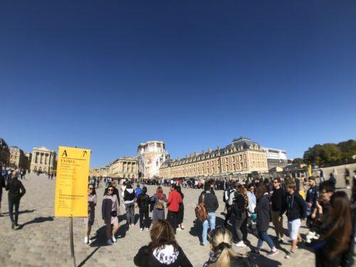 ベルサイユ宮殿入場待ち