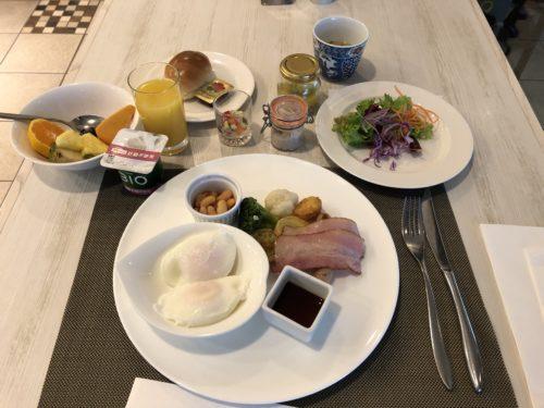 朝食のセミビュッフェ