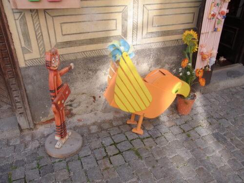 町中の人形